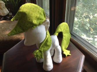 Farmer Pony by valleyviolet