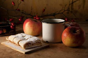 Der Apfelstrudel by BoiledFrog