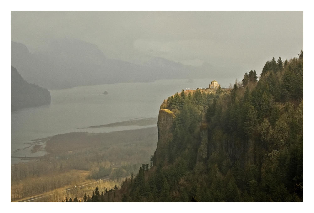 Moody Vista by hikester