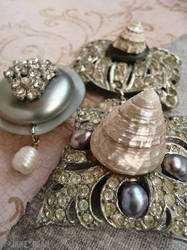 Rhinestone shell magnets by janedean