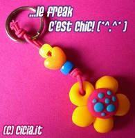Mushflower keychain III by Cicia