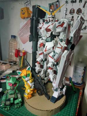 papercraft unicorn gundam destroy mode by momorikaze94