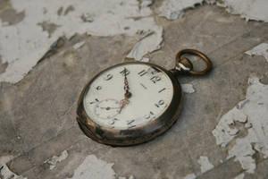 stock old broken pocket watch by Nexu4