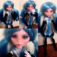 Miku Hatsune - monster high custom by Sonkisonki