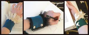 Cuffs by nolwen