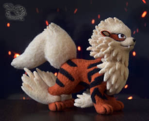 Needle Felted Pokemon Arcanine by YuliaLeonovich