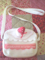Cake shapped bag by VioletLunchell