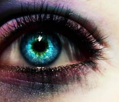 Blue eye by yvaine2010