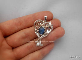 'Flora's heart', handmade sterling silver pendant by seralune