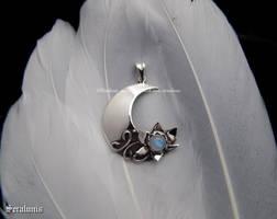 'Moon flower', handmade sterling silver pendant by seralune