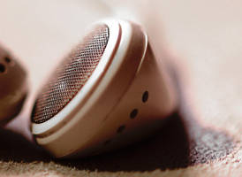 iPod touch phones Macro by rontz