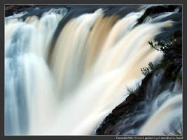 Corumba Falls by micahgoulart