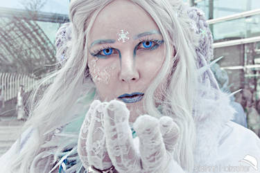 Frozen Queen by kathrinholzreiter