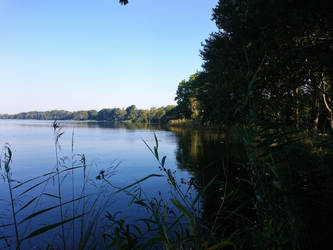 Lake by dwarfeater