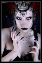 Shadow Queen by Helleana