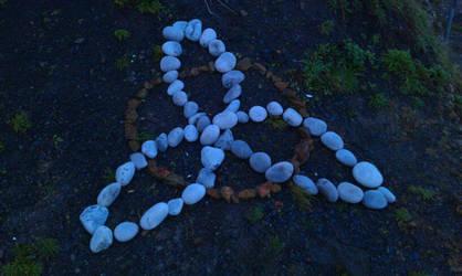 Pebble Triquetra by stephmog