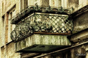 The balcony by wiwaldi24