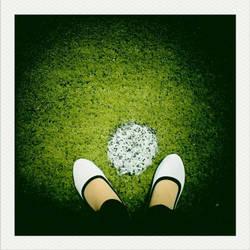 The world is under my feet by yoenizme