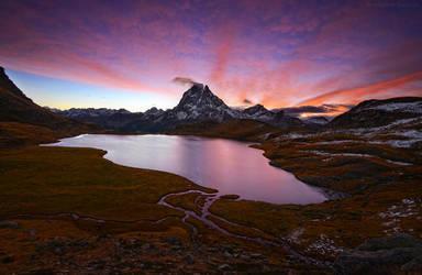 Glow Of Dawn by MaximeDaviron