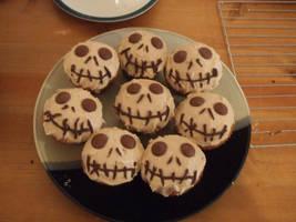 Jack Skellington cupcakes by nienor