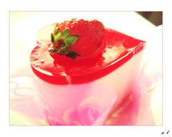 strawberry cake by hi54