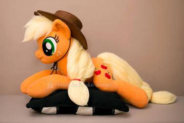 Applejack plushie by Ryoko-demon