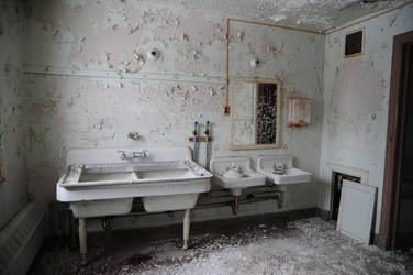 Bathroom Decay by DirectorFlik