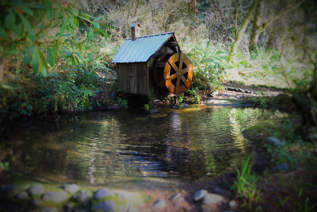 Water Wheel by DuhQueenMoki
