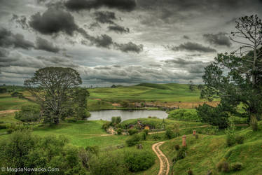 HDR Hobbiton by schelly