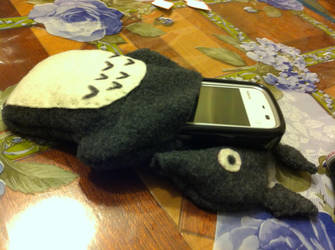 iPhone Case Holder - Totoro by PiccolaKaila