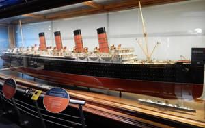 RMS Mauretania and SS Turbinia by rlkitterman