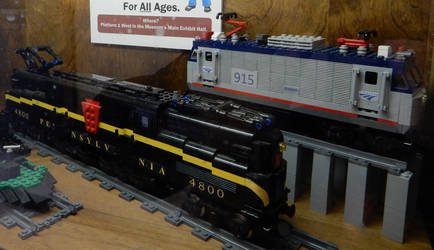 Lego PRR GG1 No.4800 and Amtrak AEM7 No.915 by rlkitterman