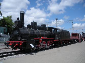 MKNiMZD Bryansk Ov.841 with Retro Freight Train by rlkitterman