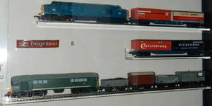 BR D6830 Intermodal and D5713 Goods Trains by rlkitterman
