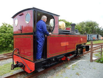Russell Pulls Away from Train at Pen-y-Mount by rlkitterman