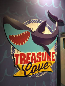 Audobon Aquarium Treasure Cove Shark by rlkitterman