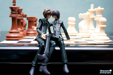 SuzaLulu on a chessboard by unikorn