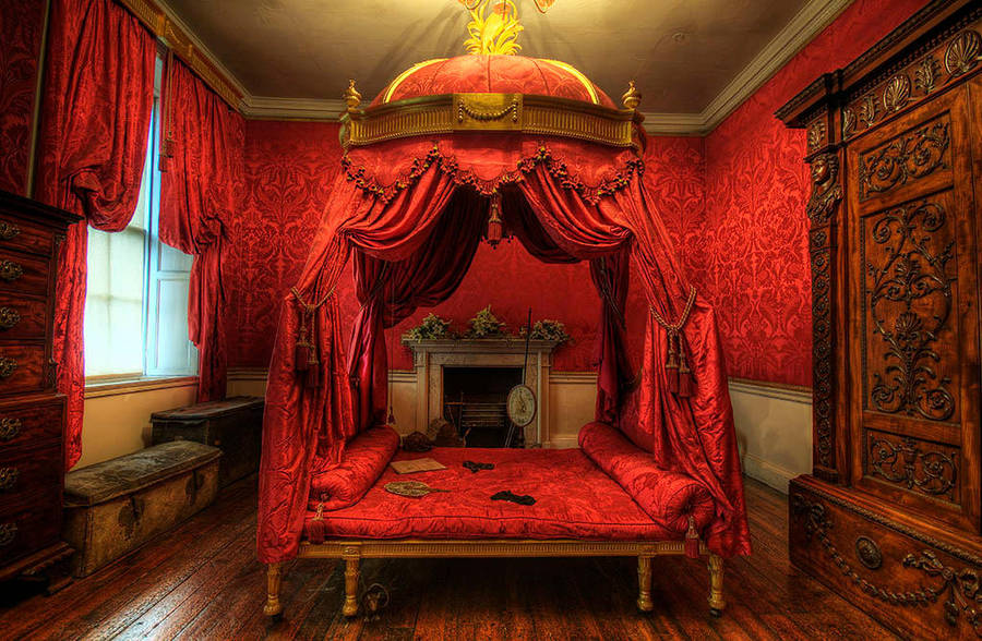 Red Couch by taffmeister