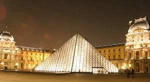 Paris Louvre by snapboy