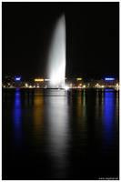 Jet d eau Geneve nuit by snapboy