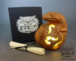 Special edition Leopard Gecko Totems available now by Bakenekoya