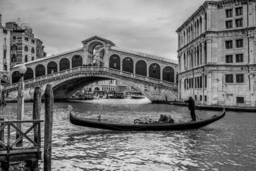 Loosely corresponding arches by stefangrosjean