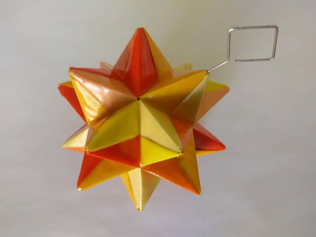 Yellow-Orange Origami Modular Star by demuredemeanor