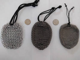 Chainmail pouch - Comparison 1 by demuredemeanor