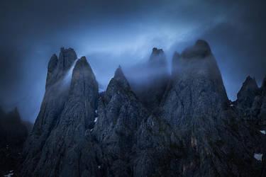 Misty Crown by MarvinDiehl
