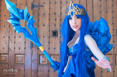 Janna Frost Queen Cosplay LOL by Hekady