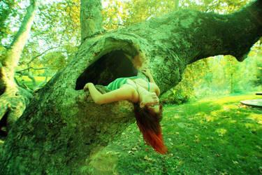 Mad Tree Faerie by antithestasia