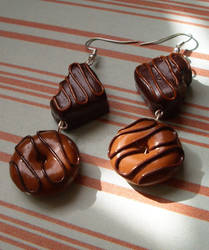 Gooey chocolate earrings by PORGEcreations