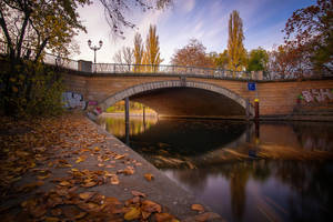 Autumn in Berlin by INVIV0