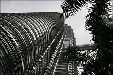 Petronas Towers by PLazarou